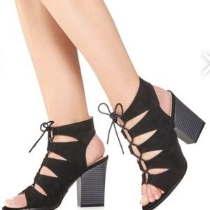 Brand new lace-up block heel